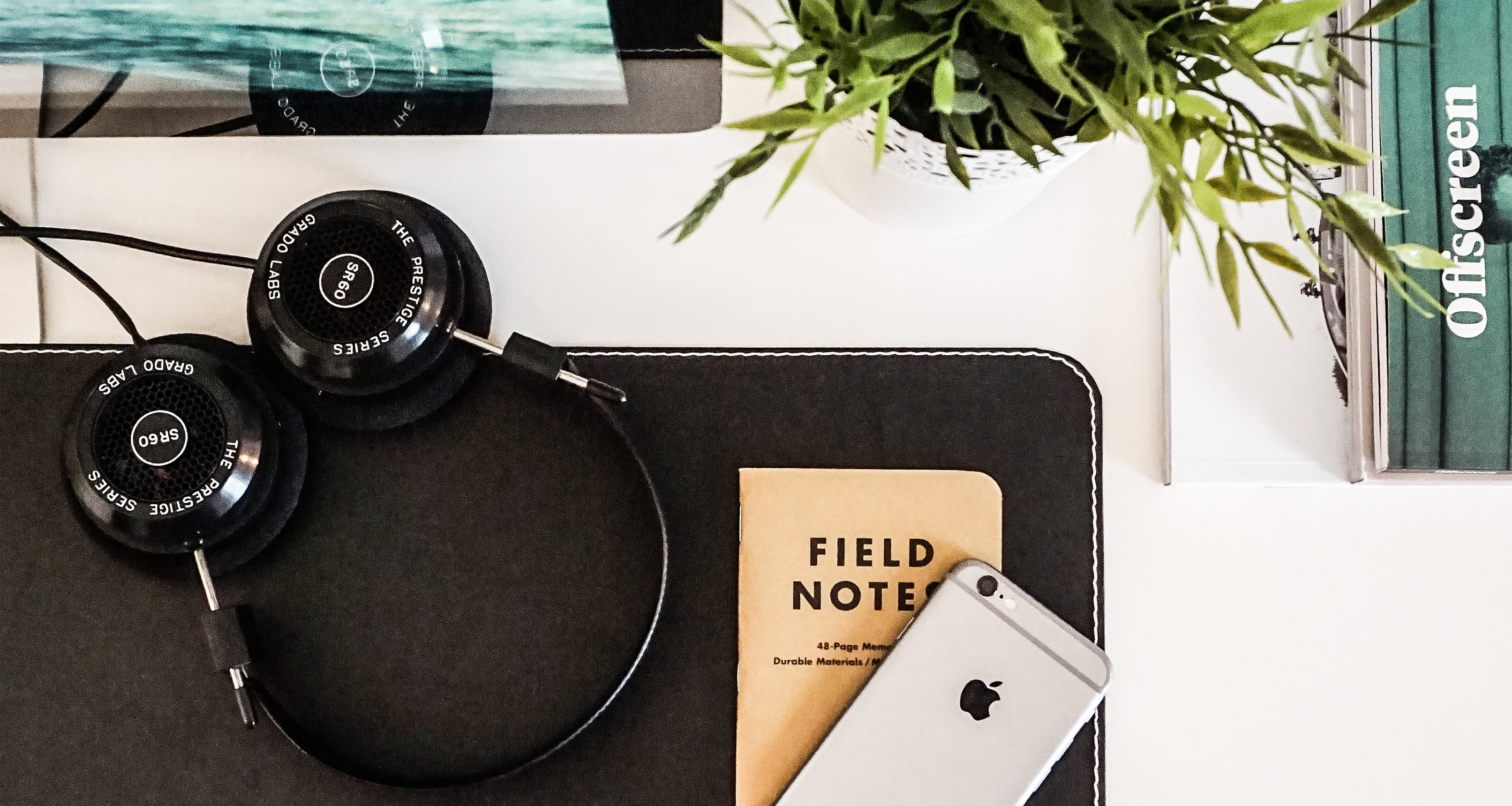 desktop_headphone_phone