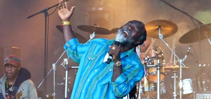 reggae artist on stage